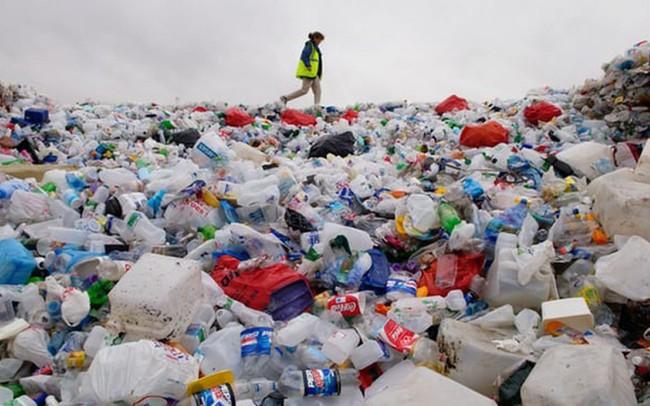Quyết tâm chống rác thải nhựa, tỉnh này quyết định nói không với nước uống đóng chai, túi ni lông, khăn lau... sử dụng một lần nơi công sở