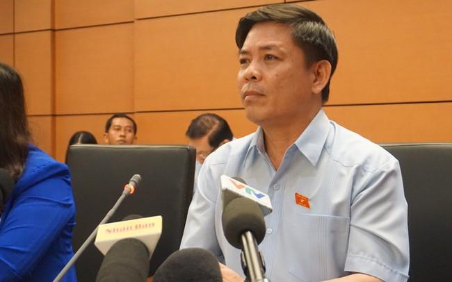 Lý giải việc chậm triển khai 2 siêu dự án, Bộ trưởng Giao thông Nguyễn Văn Thể cho biết: Do Luật Đầu tư công