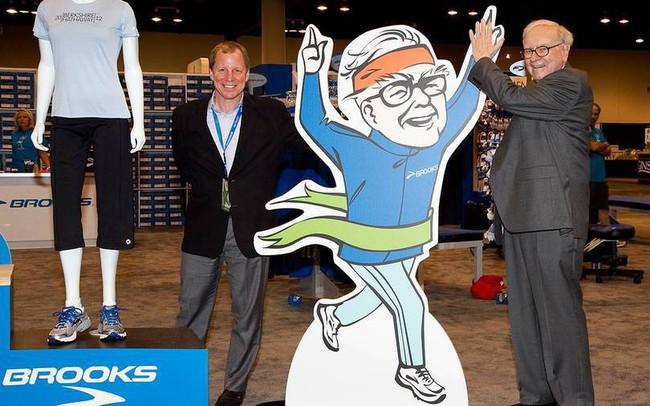Công ty thời trang thể thao của tỷ phú Warren Buffett giảm hoạt động sản xuất ở Trung Quốc để tăng cường ở Việt Nam