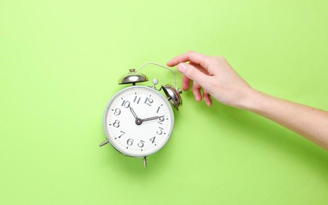 """4 sự thật """"phũ phàng"""" về thói quen dậy sớm bạn cần biết trước khi bắt đầu: Không nắm vững, đừng mơ tới thành công"""
