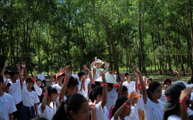 Chương trình hưởng ứng ngày hội sức khỏe toàn cầu thu hút sự tham gia của gần 400 em nhỏ