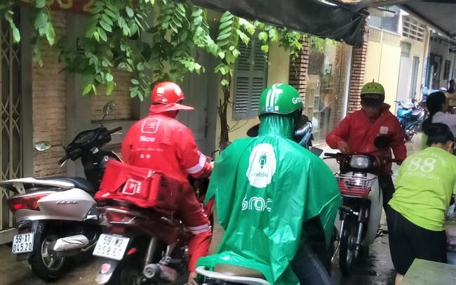 Lời miệt thị CEO Nhật ném vào tài xế công nghệ Việt và những bộ đồng phục định giá con người