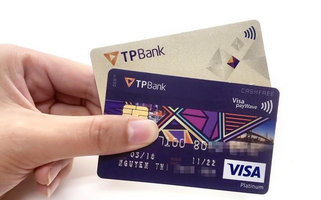 Số lượng thẻ tín dụng của TPBank đang ở vị trí nào trong hệ thống ngân hàng?