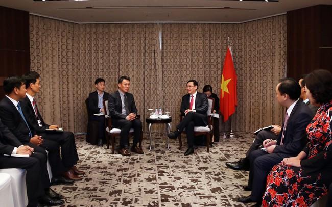"""Phó Thủ tướng Vương Đình Huệ gợi ý các ngân hàng Hàn Quốc mua lại """"hàng tồn kho"""" của Việt Nam"""