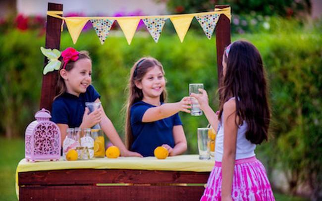 Mải mê nhồi nhét kiến thức không làm con bạn thông minh hơn: 7 kỹ năng mềm trẻ cần học từ sớm để đứng vững trong đời!