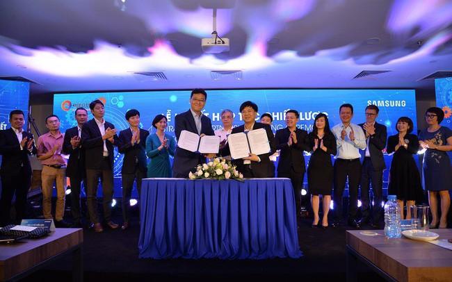 """Mượn năng lực công nghệ của """"ông lớn"""" Samsung, Egroup của Shark Thuỷ bước một bước tiến dài trong ngành giáo dục"""