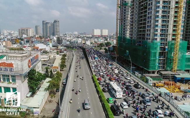 TP.HCM muốn xóa 2-3 điểm ùn tắc giao thông ở khu vực sân bay Tân Sơn Nhất và cảng Cát Lái