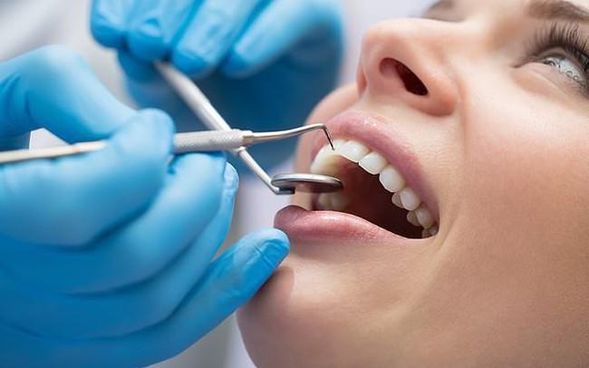 Các nhà khoa học đã tìm ra vật liệu mới giúp tái tạo men răng một cách tự nhiên: Hàn răng sâu giờ đây không còn là nỗi ám ảnh