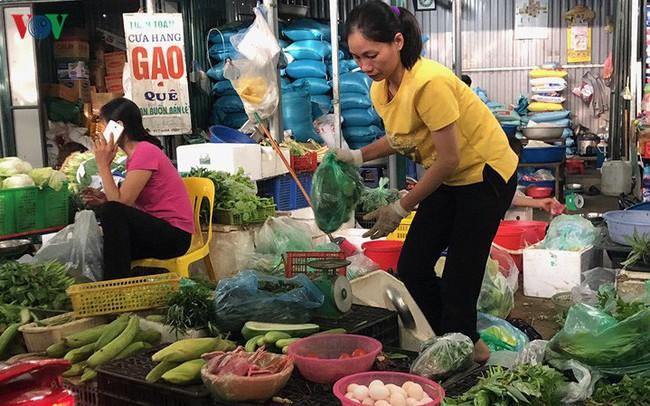 Giá rau xanh bắt đầu tăng mạnh sau mưa bão