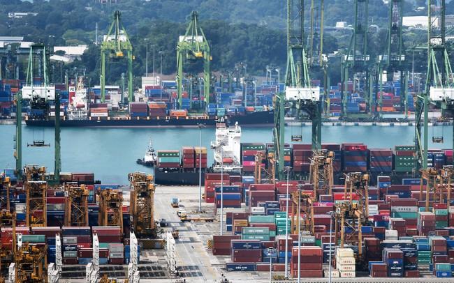 """Xuất khẩu tăng nhờ thương chiến Mỹ - Trung, Việt Nam """"tắc cảng"""", ngành logistics chịu áp lực lớn"""