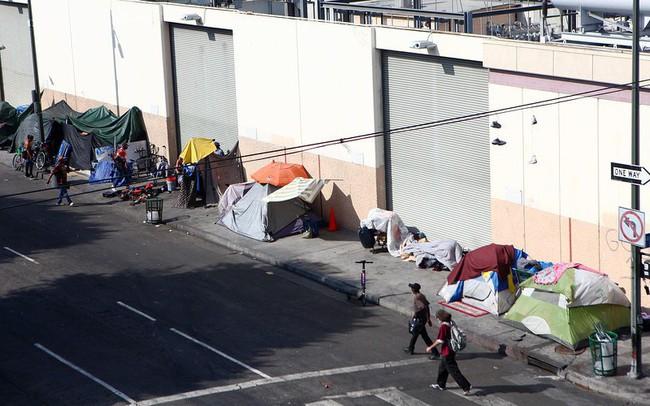 Nghịch lý ở California: Quá giàu có đến mức quy mô lớn hơn cả kinh tế Anh nhưng lại là nơi tập trung một nửa người vô gia cư của nước Mỹ