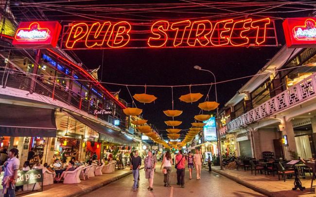 Sống ở Việt Nam rẻ hơn ở Campuchia?