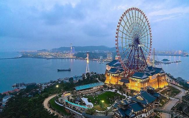 Quảng Ninh, Bình Định tăng mạnh doanh thu bán lẻ nhờ du lịch  Quảng Ninh, Bình Định tăng mạnh doanh thu bán lẻ nhờ du lịch 00 15698530630161492239432 crop 15698530714821011657543