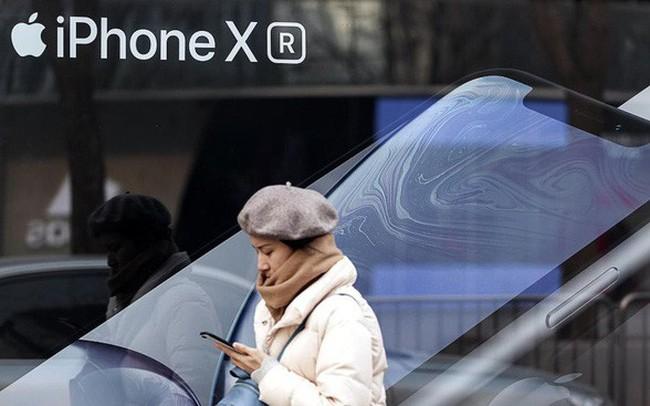 """Apple và Samsung: Hai vị vua phải đối mặt với sức ép quá lớn từ sự trỗi dậy mang tên """"Trung Quốc"""""""