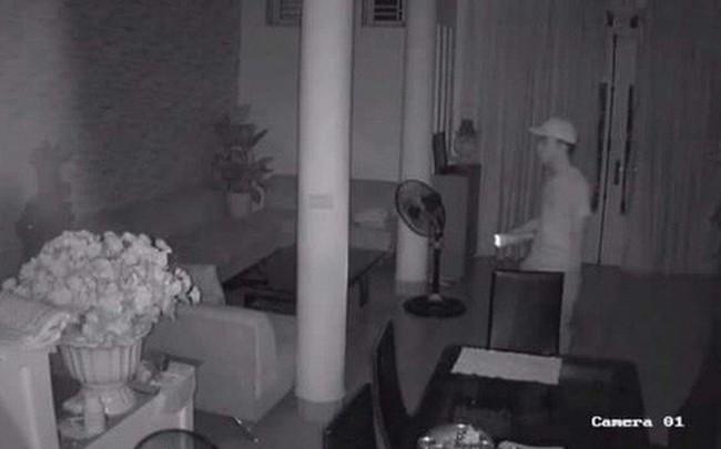 Dùng súng nhựa, bịt mặt cướp 1 tỉ đồng tại chung cư cao cấp ở Hà Nội