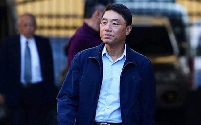 Sau khi bị tuyên hơn 30 tháng tù, 2 cựu Thứ trưởng Bộ Công an bình thản rời tòa