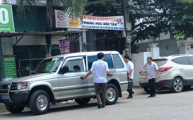 Chủ nhiệm Ủy ban Kiểm tra Quảng Bình nói gì về việc nhiều xe công dự tiệc cưới con mình?