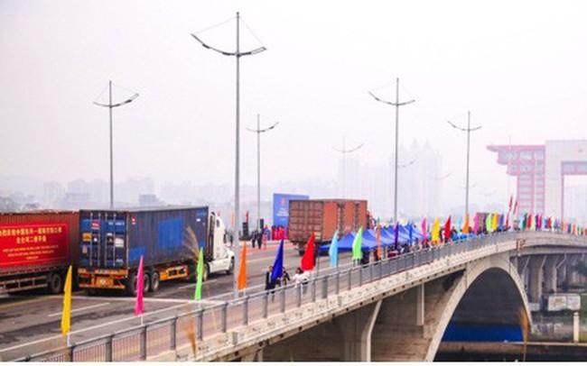 Chính thức thông quan cầu Bắc Luân II nối Việt Nam - Trung Quốc