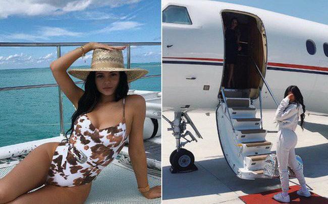 """Loạt sở thích du lịch đúng chuẩn """"quăng tiền ra cửa sổ"""" của Kylie Jenner - nữ tỷ phú tự thân trẻ nhất thế giới"""