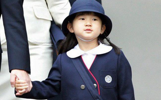 Công chúa Aiko - con gái duy nhất của Thái tử Naruhito: Từ đứa bé xinh xắn từng bị bắt nạt đến thiếu nữ tài giỏi sống tự lập