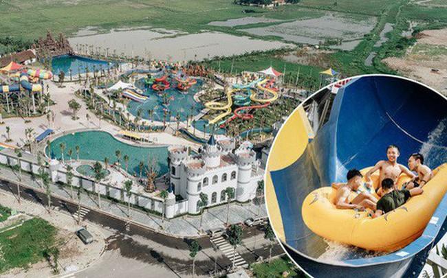 Người dân Hà Nội thích thú trải nghiệm công viên nước hiện đại nhất Thủ đô trong ngày đầu mở cửa