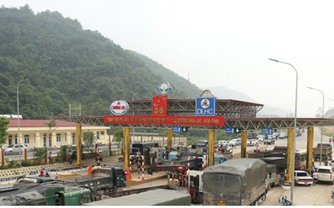 """Gần 1 tuần BOT Hòa Lạc bị người dân """"vây"""", phải xả trạm"""