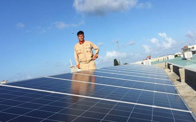 Bộ Công Thương đề xuất giá bán điện mặt trời mái nhà 1.916 đồng/kWh