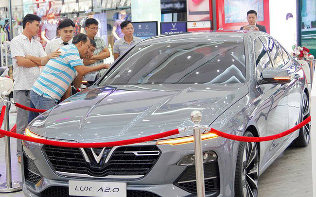 Đặt VinFast Lux sớm, khách Việt 'bỏ túi' hơn 70 triệu đồng phí trước bạ