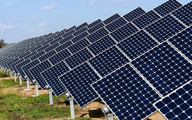 Nhiều ngân hàng rót trăm, nghìn tỷ cho vay điện mặt trời