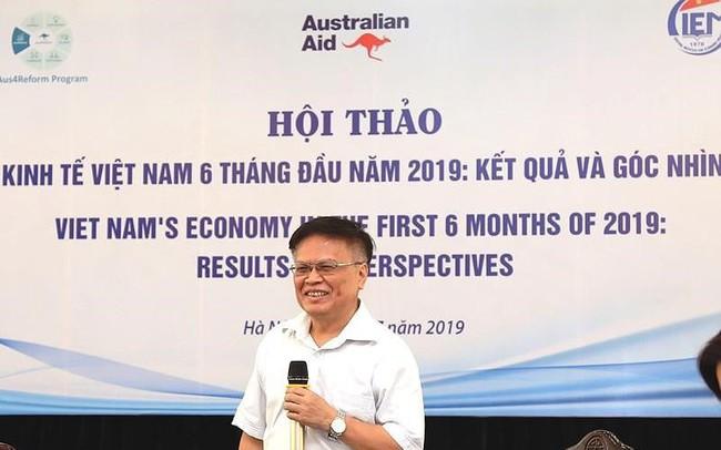TS Nguyễn Đình Cung: 'Tiền của mình mà cứ đưa cho người khác'