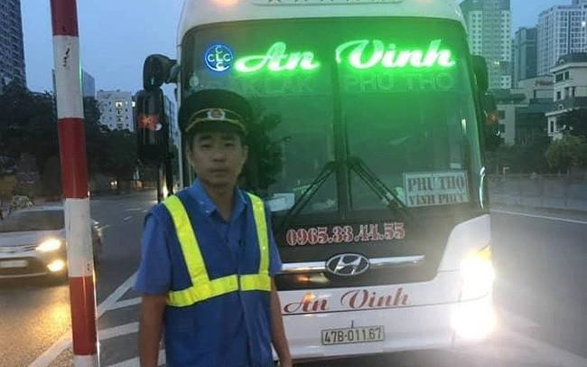 Thu hồi hàng loạt phù hiệu ô tô khách chạy sai luồng tuyến ở Hà Nội
