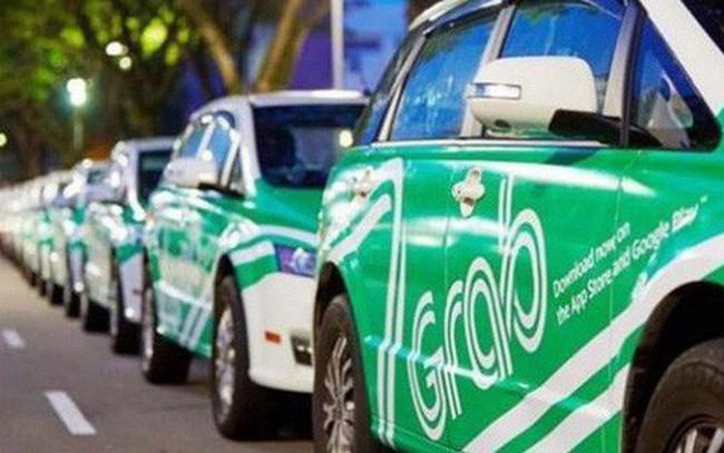 """Thủ tướng yêu cầu nghiên cứu bỏ """"đeo mào"""" cho taxi công nghệ"""