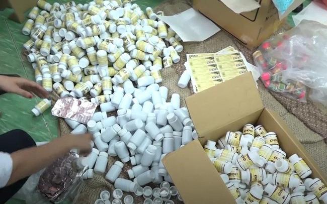 Đột kích cơ sở sản xuất thực phẩm chức năng giả ở Sài Gòn