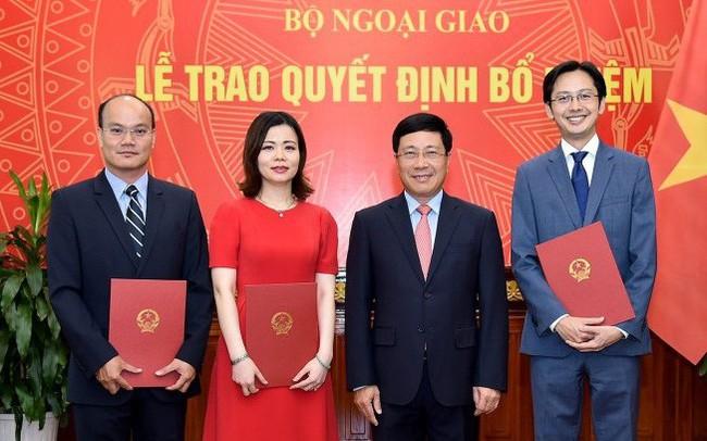 Trao quyết định bổ nhiệm 3 Vụ trưởng của Bộ Ngoại giao