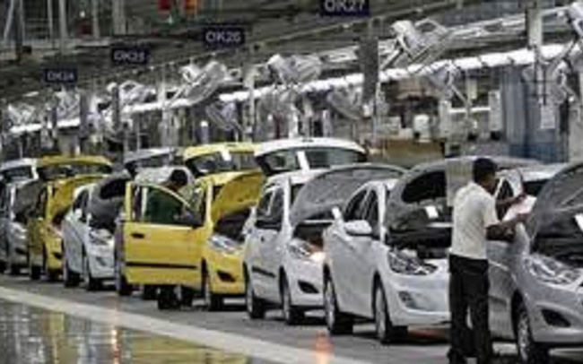 Cú tụt dốc không phanh của thị trường ô tô Ấn Độ