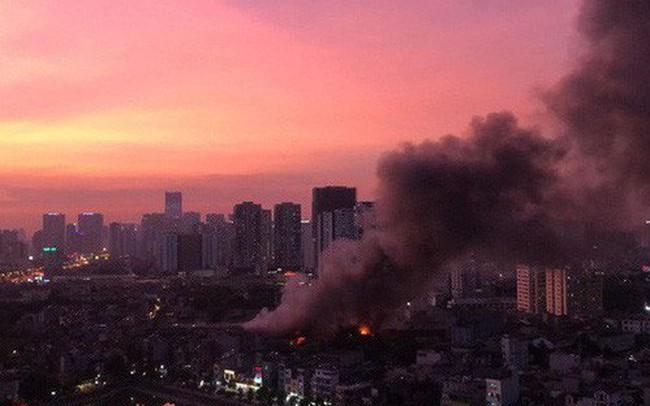 Cháy rụi 4 triệu bóng đèn nguy cơ nhiễm độc kim loại nặng, Rạng Đông nói gì?