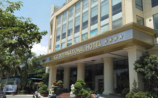 Bát nháo khách sạn tự phong sao