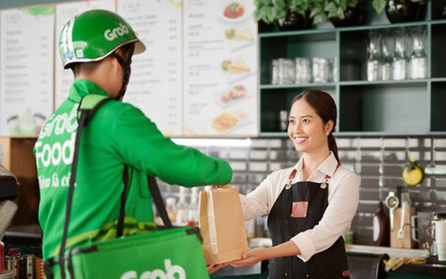 """Mảng Food quá nóng, Grab thử nghiệm thêm GrabKitchen, """"tặng không"""" địa điểm nhằm quy tụ những hàng quán """"đắt sô"""", phục vụ trực tiếp cư dân quanh vùng"""