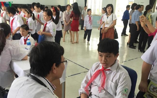 Vụ cháy Rạng Đông: Các trường kiểm tra sức khỏe tổng quát cho học sinh