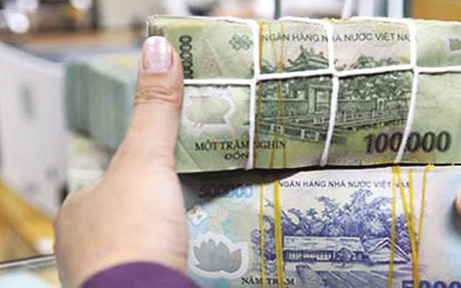 """Đảo vai tiền lớn, tạo """"QE kiểu Việt Nam"""" để giảm lãi suất cho vay?"""