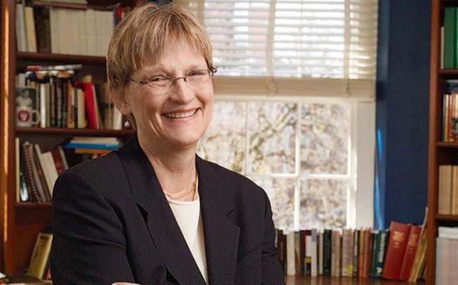 Mỗi năm đều làm việc này, nữ hiệu trưởng Đại học Havard đã dạy con trở thành người hiểu biết và có vốn ngoại ngữ cực đỉnh