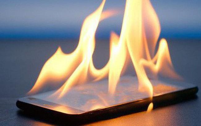 Nổ điện thoại sạc qua đêm: 2 lý do phổ biến nhất dẫn đến những vụ chết người thương tâm và cách phòng chống
