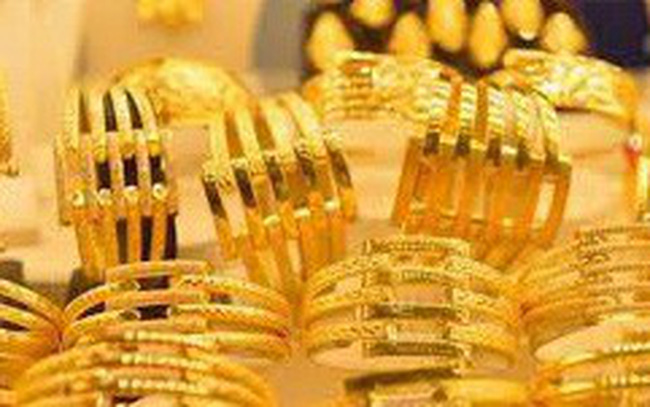 Vì sao giá vàng tăng vọt trở lại ?