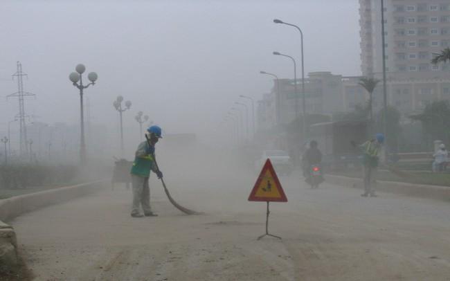 Hà Nội 3 năm không rửa đường: Ô nhiễm bụi gia tăng