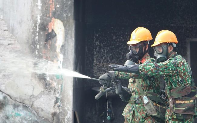 Vụ cháy nhà máy Rạng Đông: Ai trả chi phí tẩy độc?
