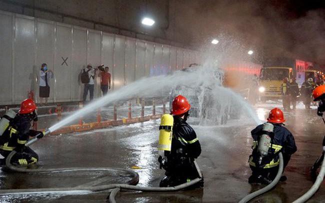 Video: Cận cảnh diễn tập chữa cháy quy mô lớn ở hầm sông Sài Gòn