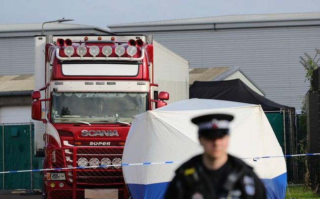 39 thi thể ở Anh: Cảnh sát tìm thấy gì sau 4 ngày điều tra?