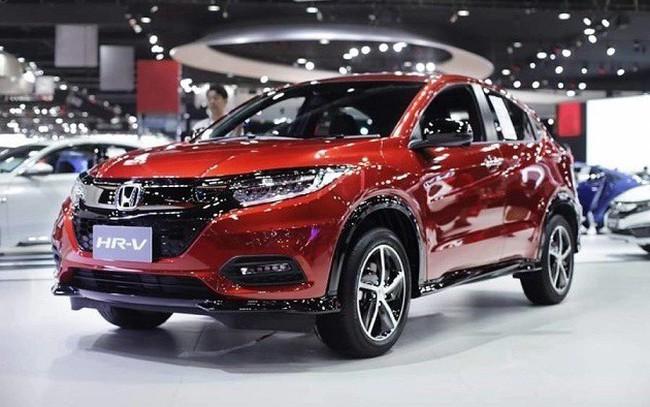 Đầu tháng 11, Mazda, BMW, Toyota, Honda... đua nhau giảm giá xả hàng