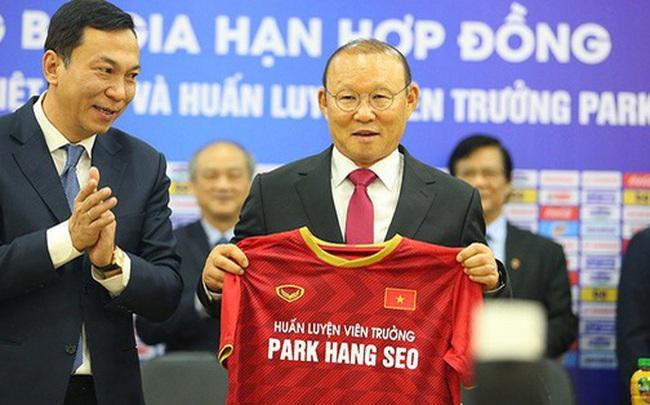 Trong ngày công bố hợp đồng mới, HLV Park Hang-seo không quên gửi lời tri ân bầu Đức
