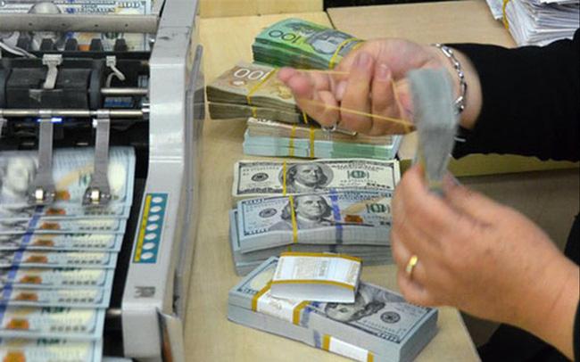 Ngân hàng Nhà nước nên cẩn trọng điều hành chính sách tiền tệ